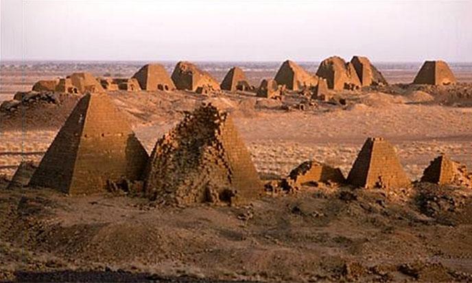 pyramides-nubiennes-688po