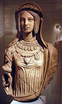 femme-etrusque-terracotta-200po