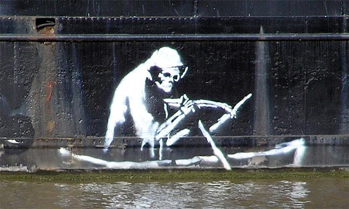 banksy-mort-canot-688po