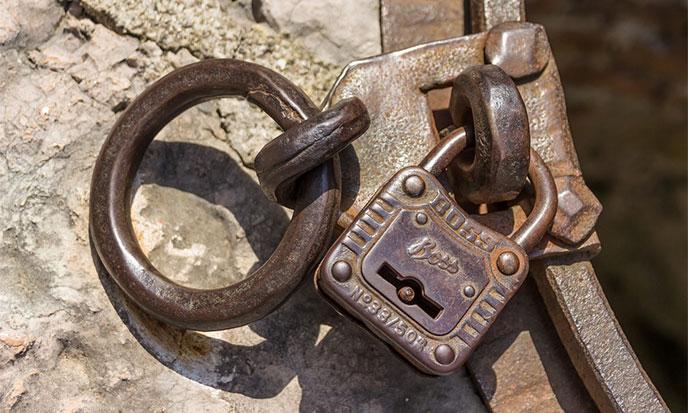 cadenas-vieux-pixabay-688po