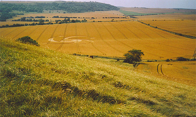 crop-circle-colline-688po