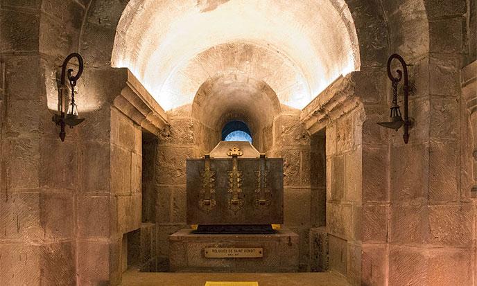 crypte-saint-benoit-sur-loire-reliques-st-benoit-688po