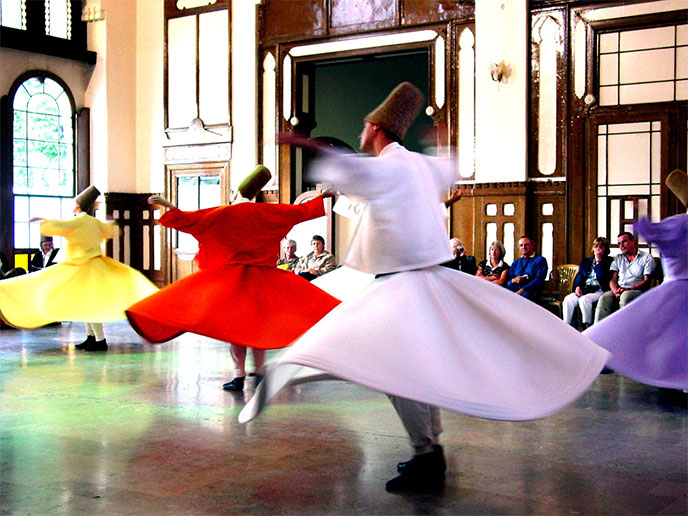 derviches-tourneurs-sufi-whirling-688px