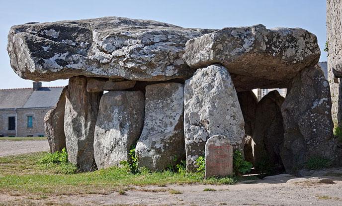 dolmen-Crucuno-688po
