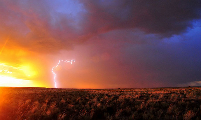 eclairs-lightning-soleil-pixabay-688po