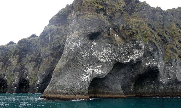 elephant-roc-heimaey-islande-