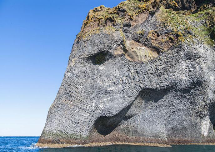 elephant-rock-island-wkpd-688px