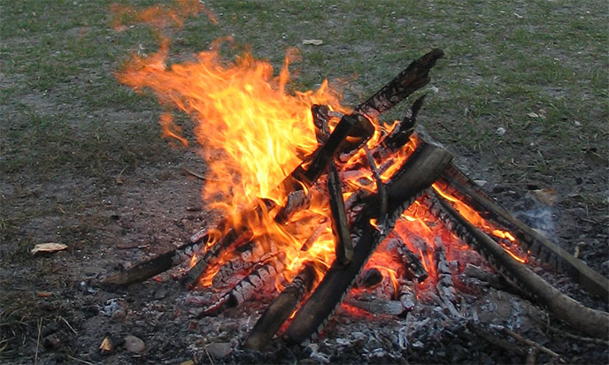 feu-de-camp-campfire-688po