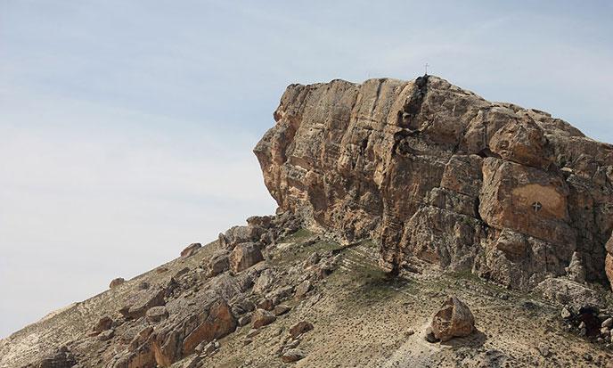 geants-Maaloula-profil-rocher-688po