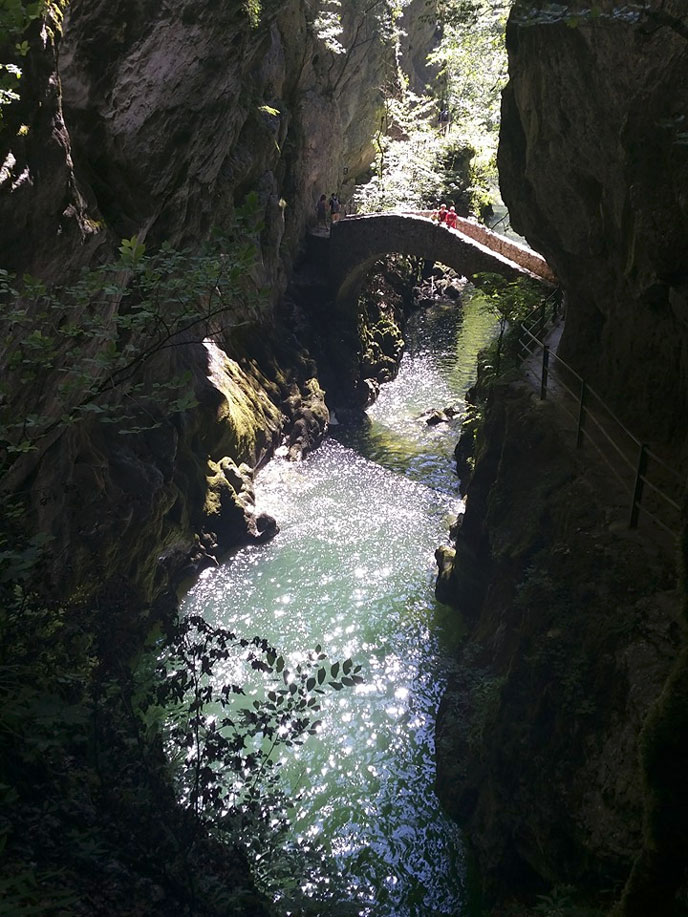 gorges-areuse-ch-mz-688px