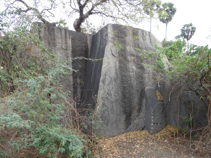 maha-falaise-blocs-688px
