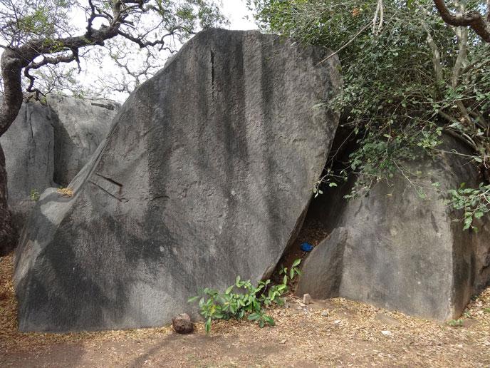 maha-megalith-fendus-688px