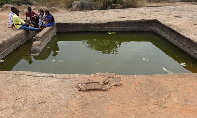 maha-piscine-carree-688po