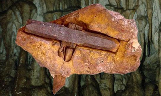 marteau-kingoodie-grotte-fauxmonnayeurs-suisse-688po