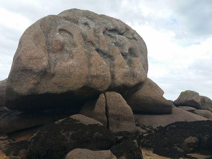 ploum-mz-rocher-creuse-maya-688px