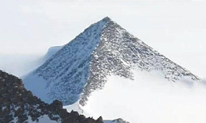 pyram-antarctique3-688po