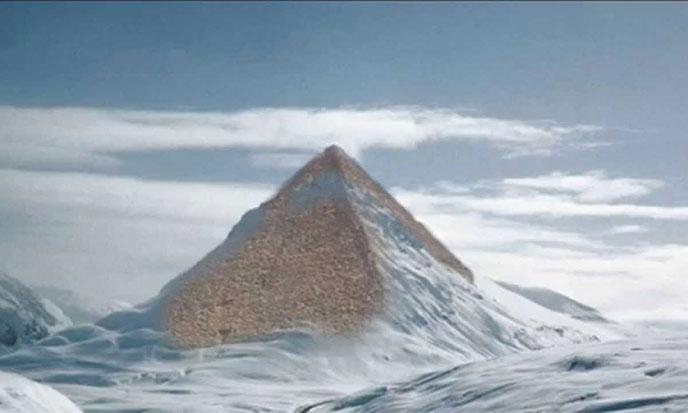 pyramide-antarctique1-688po