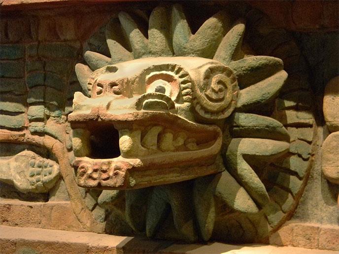 quetzalcoatl-sculpture-serpent-plumeux-688px