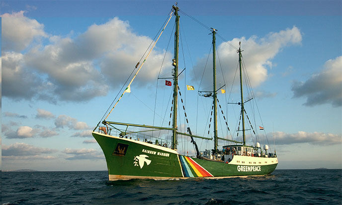 rainbow-warrior-greenpeace-688po