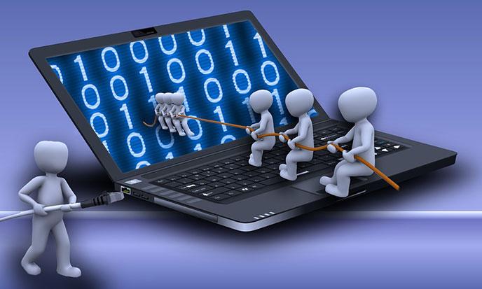 realites-laptop-bonshommes-688po