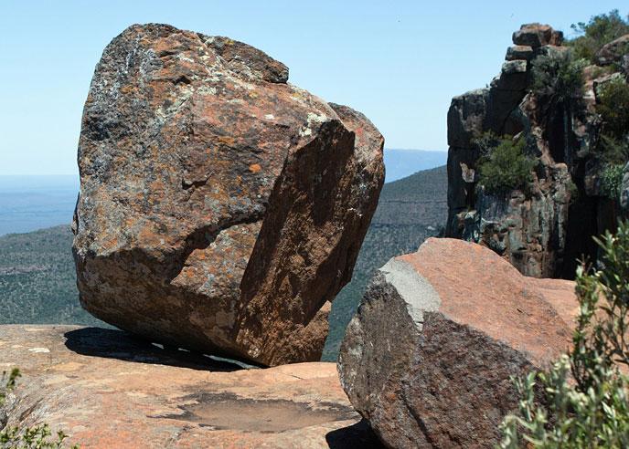 roc-equilibre-rock-pixabay-688po