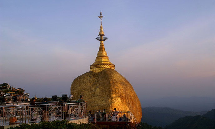 rocher-d-or-myanmar-688po