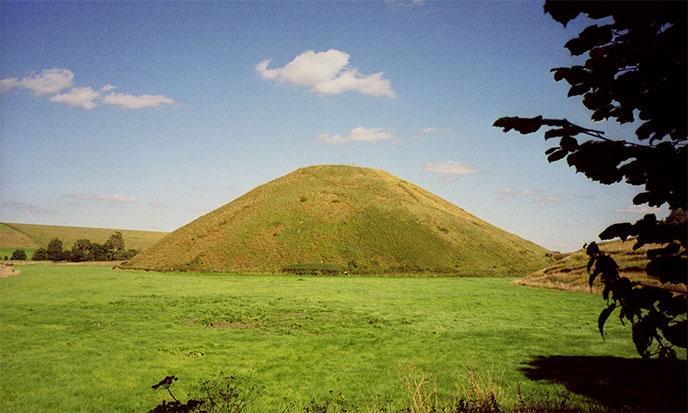 silbury-hill-avebury-688po