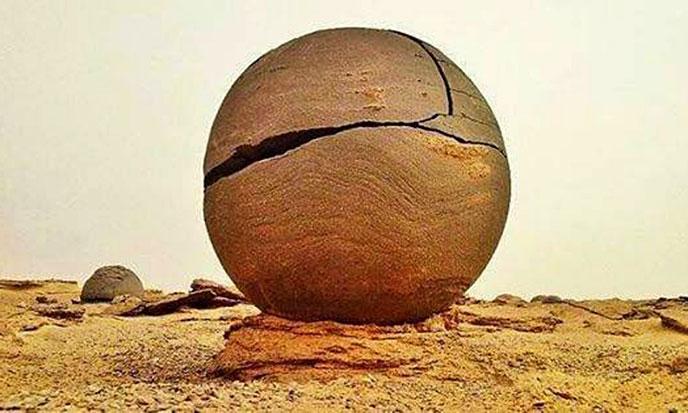 spheres-pierre-lybie-688po