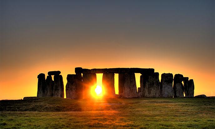 stonehenge-sun-688po