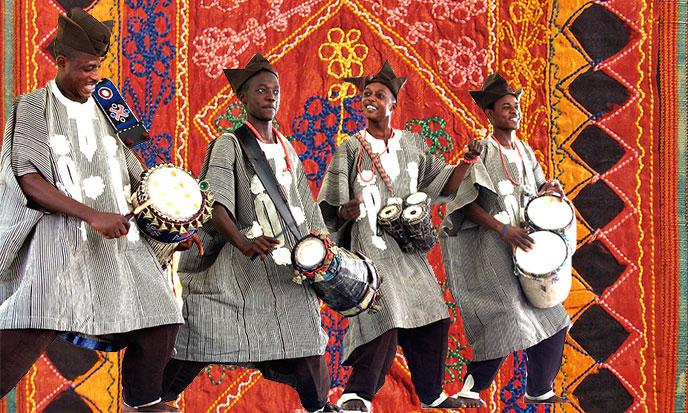 yoruba-dancers-tissu-africain-688po